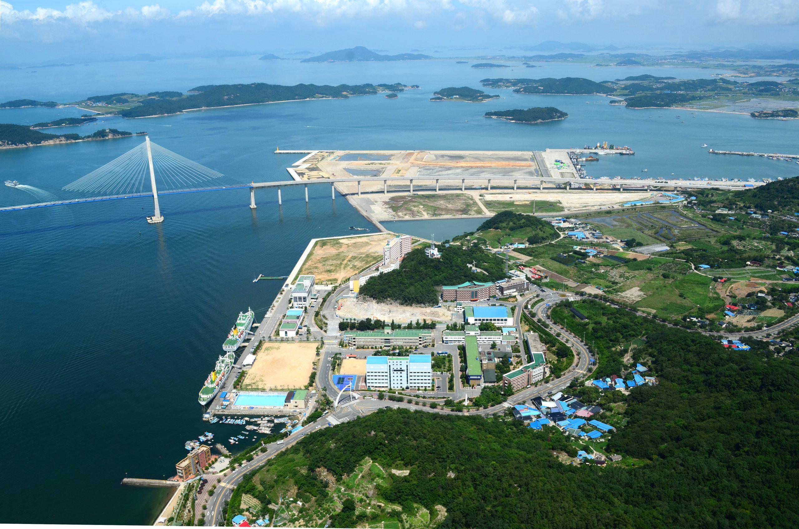 Đại học Quốc gia Hàng hải Mokpo nhìn từ trên không