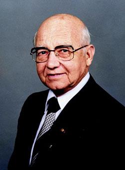 Tiến sĩ Charles D. Stokes